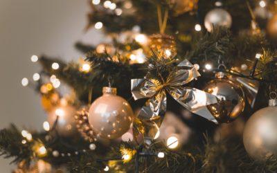 Arbres de Noël, bougies et décorations lumineuses – un risque incendie à ne pas négliger !